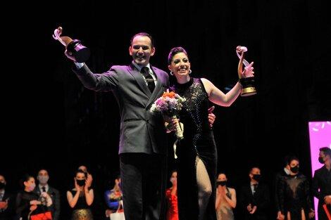Agustín Agnez y Barbara Ferreyra (de San Fernando, Buenos Aires, y San Rafael, Mendoza, respectivamente), los ganadores en la categoría pista. (Fuente: Julio Martín Mancini)
