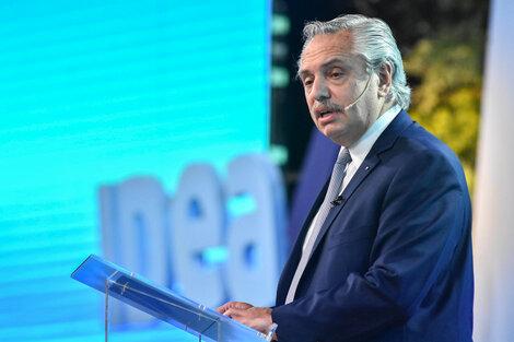 """Albeerto Fernández en IDEA. """"Una economía que crece necesita una fuerza laboral bien paga y defendida en sus derechos""""."""