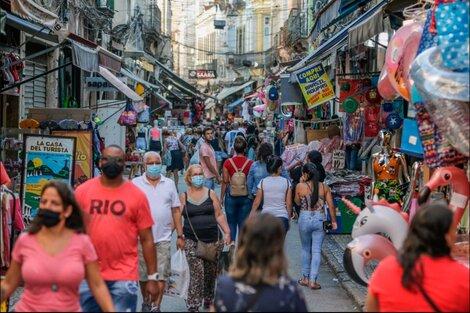 Río de Janeiro levantó las restricciones de aforo en la mayoría de los espacios cerrados. (Fuente: EFE)