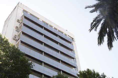 Le decomisaron un departamento en este edificio de Oroño al 400. (Fuente: Sebastián Joel Vargas)
