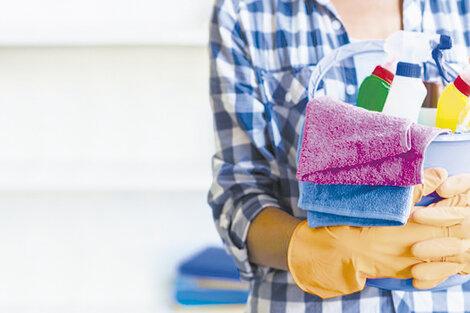 El Gobierno presenta el programa Registradas, que durante seis meses pagará hasta la mitad del sueldo de las trabajadoras de casas particulares que sean blanqueadas.