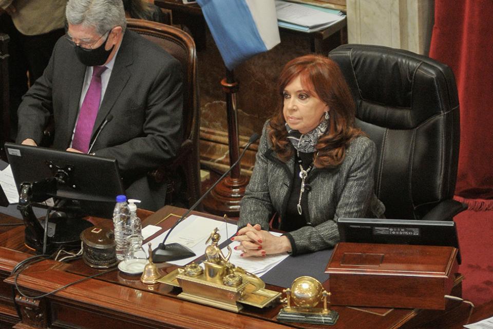 El juez federal Marcelo Martínez De Giorgi revocó el procesamiento de Cristina Fernández de Kirchner.