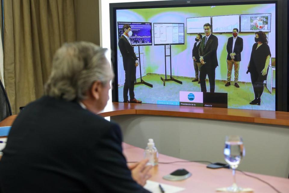 El presidente Alberto Fernández encabezó una videoconferencia con el gobernador de Chaco, Jorge Capitanich, para analizar la situación sanitaria en esa provincia y avanzar en la ejecución de medidas conjuntas contra la pandemi.