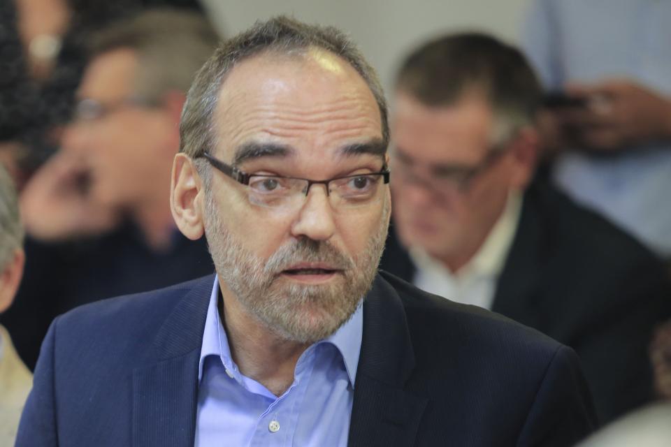 El paso de comedia entre Fernando Iglesias y un antiderechos por el ataque al móvil de C5N