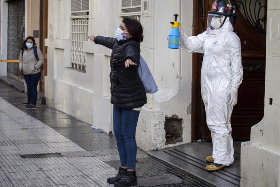 Coronavirus: nueve barrios porteños concentran el 60 por ciento de los contagios