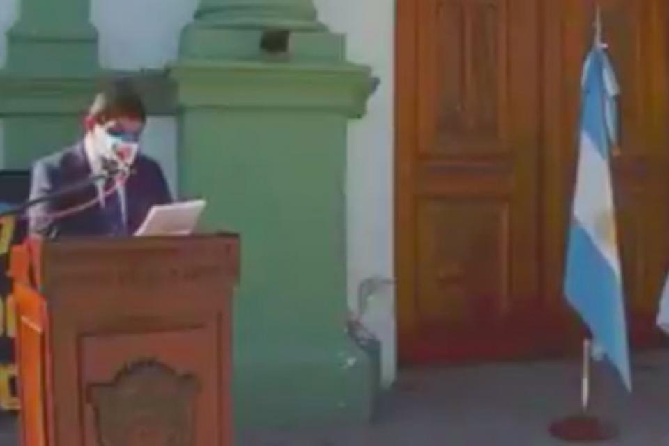 Torres al momento de sus discurso sacado de Hollywood.