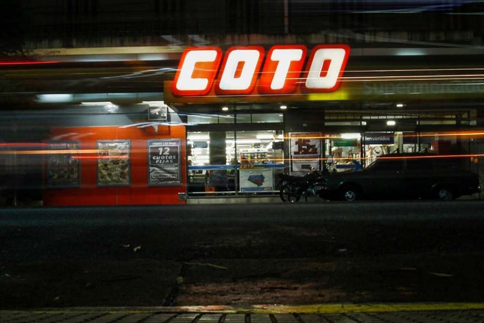 Coronavirus: los trabajadores de Coto denuncian 300 contagios en la empresa