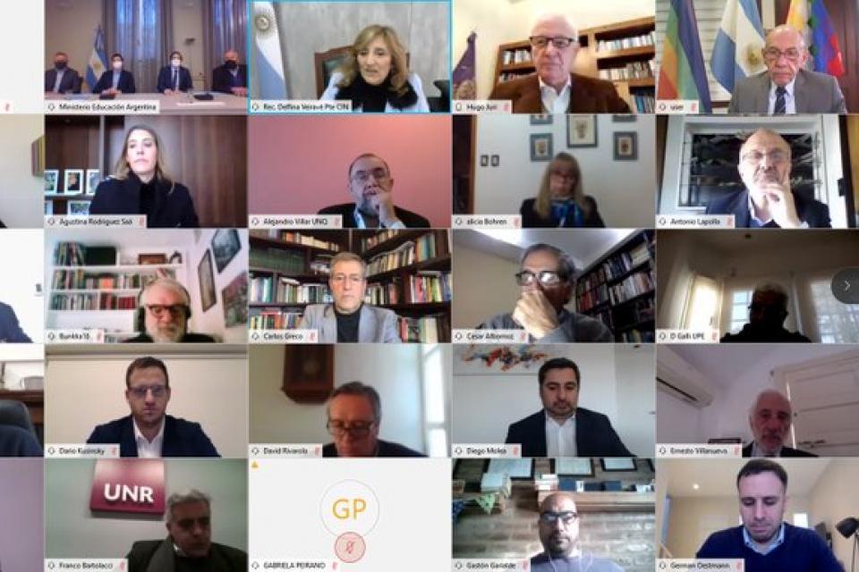 Imagen de la conferencia virtual donde se acordó el nuevo sistema, con la participación de los rectores del CIN y funcionarios de Interior y Educación.