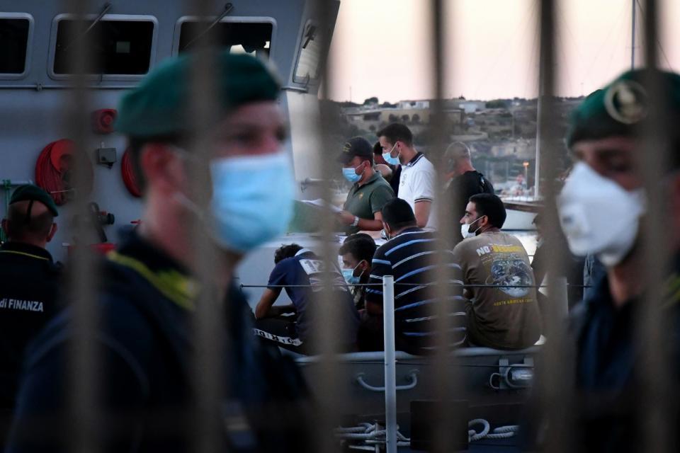 Los inmigrantes buscan una nueva vida en Italia pese al virus
