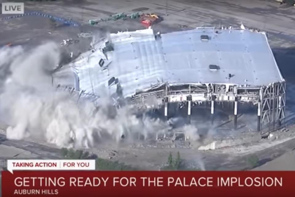 La impresionante demolición del estadio más odiado por Michael Jordan