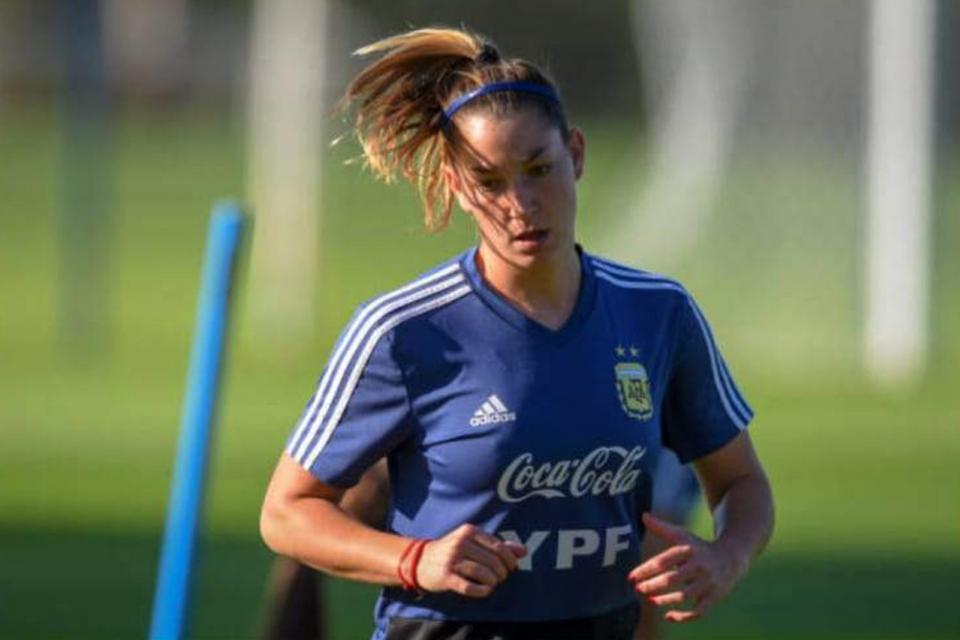 Cometti pasó de Sevilla al Levante y Menéndez jugará en Granada