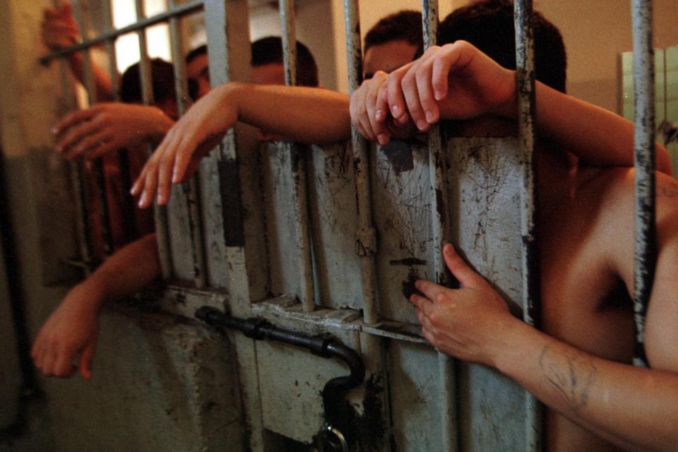 Un habeas corpus contra el hacinamiento en las comisarías porteñas