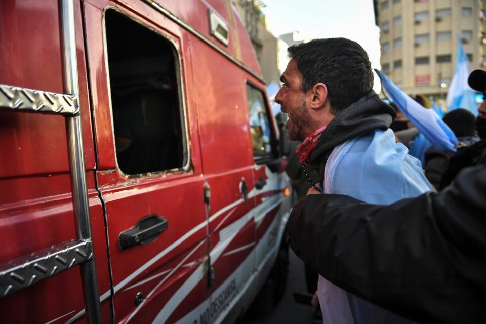 Por una Argentina sin violencia, justa y solidaria