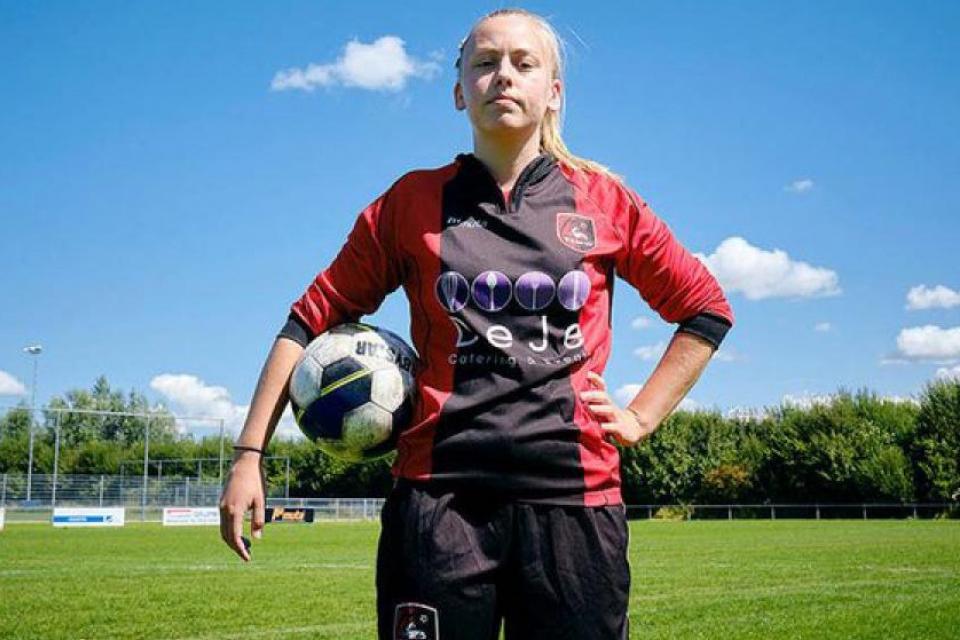 Ellen Fokkema, la jugadora que puede marcar una revolución en el fútbol.
