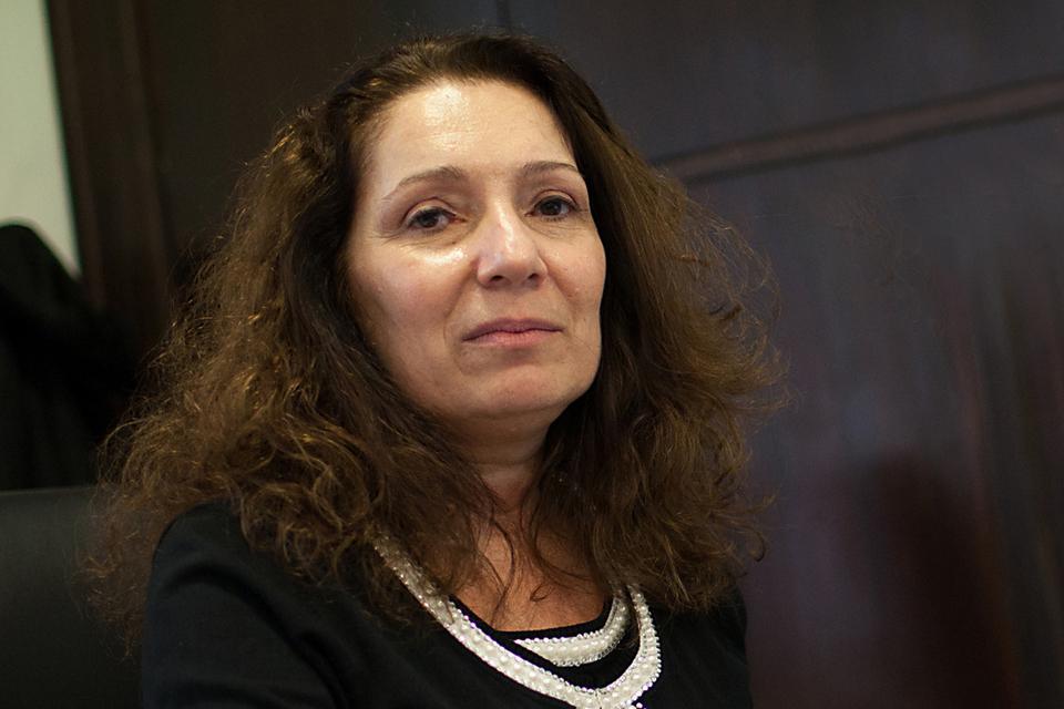 Cristina Caamaño, presentó una denuncia penal ante la justicia federal de la Ciudad Autónoma de Buenos Aires para que se investigue la responsabilidad de ex autoridades del organismoen graves irregularidades vinculadas a compras y contrataciones.