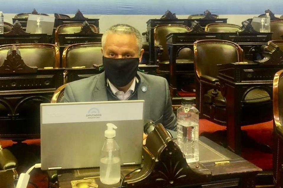 José Núñez durante la sesión del lunes pasado, en la que el macrismo rechazó la modalidad virtual.