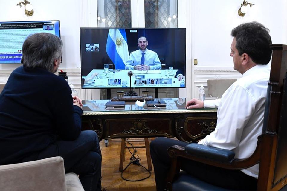 Máximo Kirchner y Massa dialogaron con el ministro de Economía