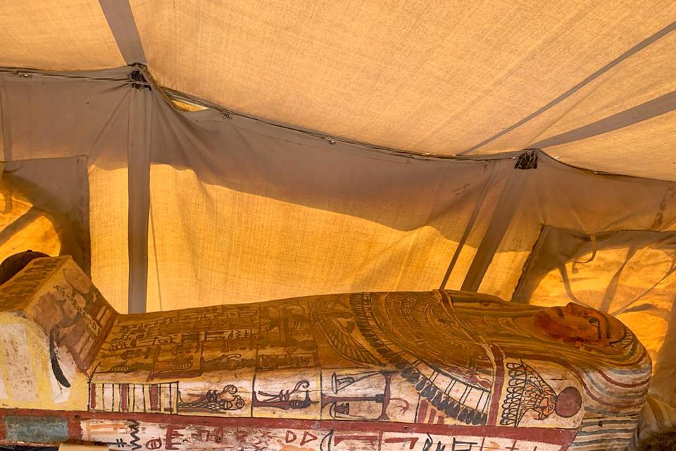 Egipto: Descubren catorce sarcófagos de 2.500 años de antigüedad