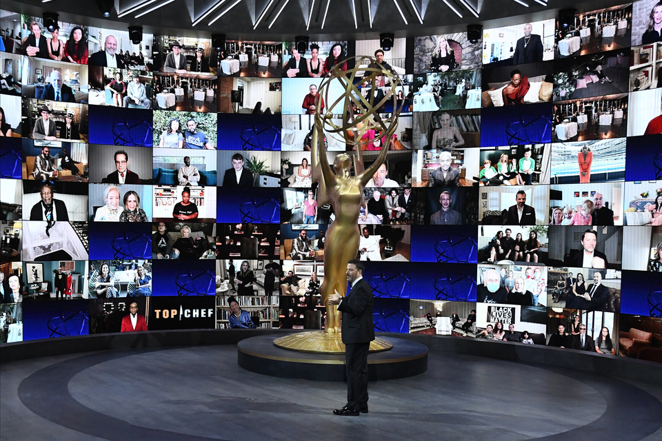 Unos 100 artistas participaron por videoconferencia de la ceremonia de los Emmy.