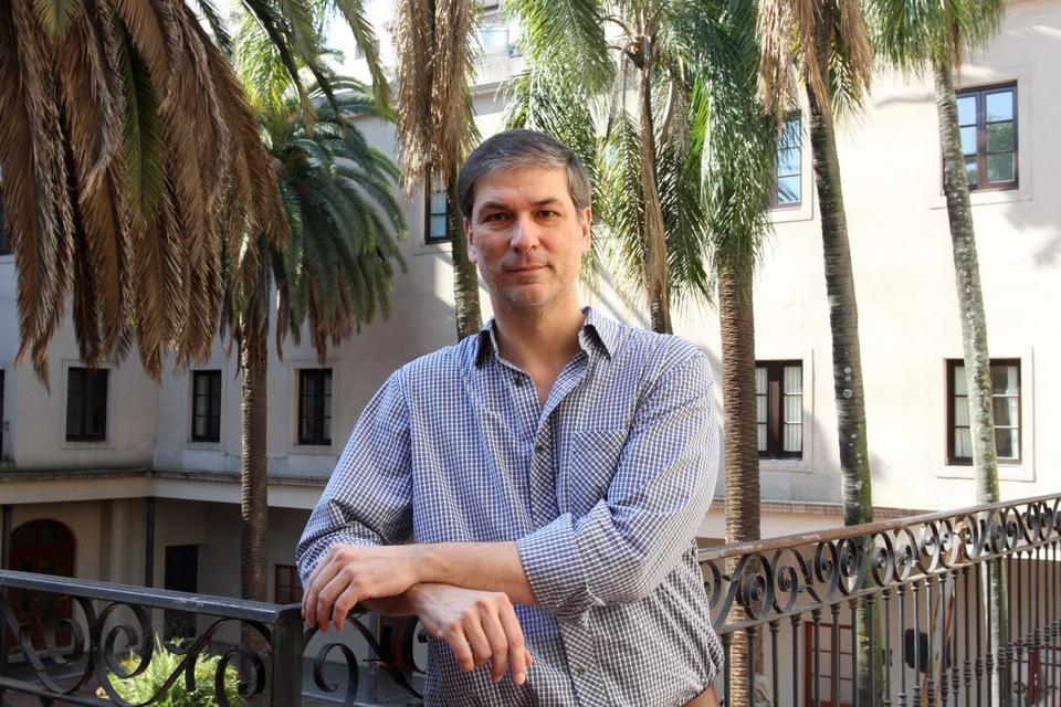 El cura Rodrigo Zarazaga, un hombre cercano al ministro Guzmán y a los empresarios.