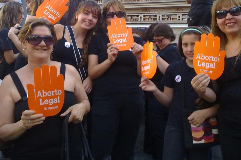 La palma naranja fue el símbolo del reclamo por la legalización del aborto en Uruguay.