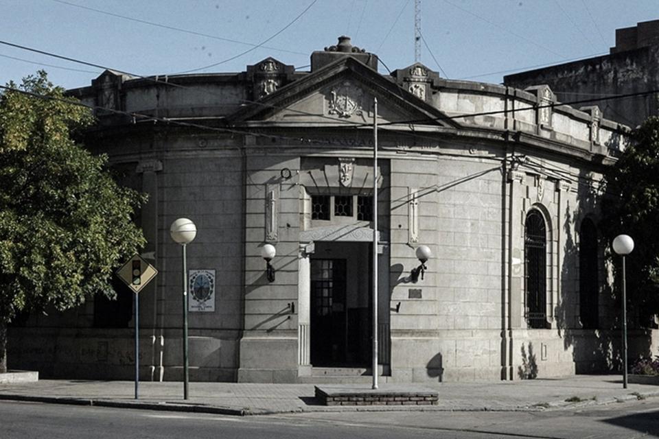 El Archivo de la Memoria funciona en la ex Comisaría 4°, sitio emblemático del circuito represivo santafecino.