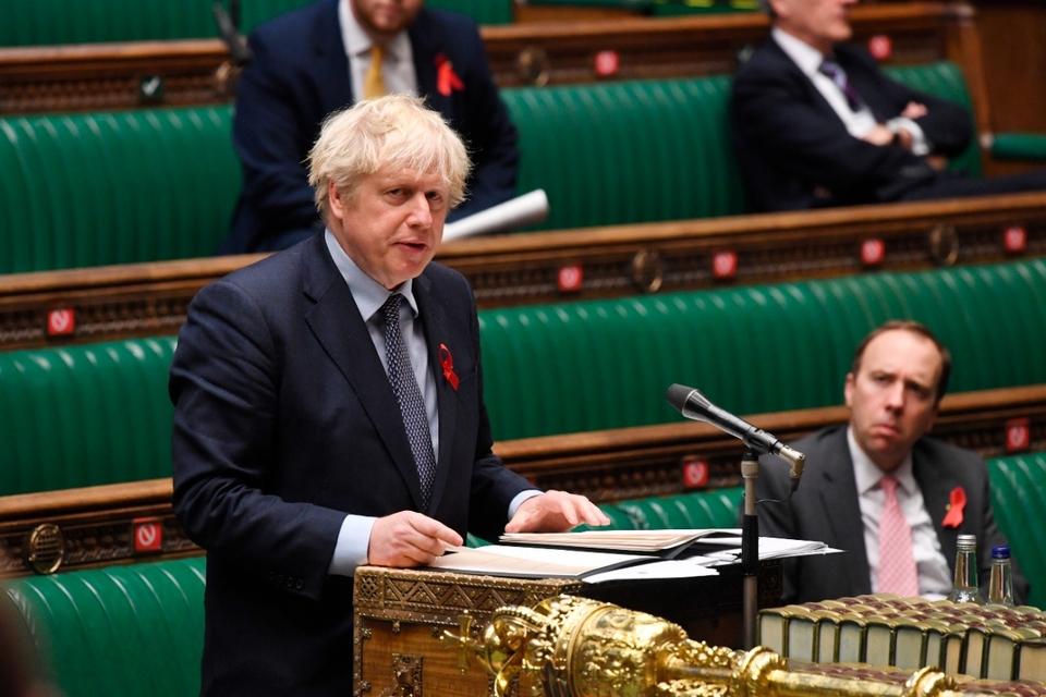 El Parlamento británico aprobó nuevas restricciones frente al coronavirus