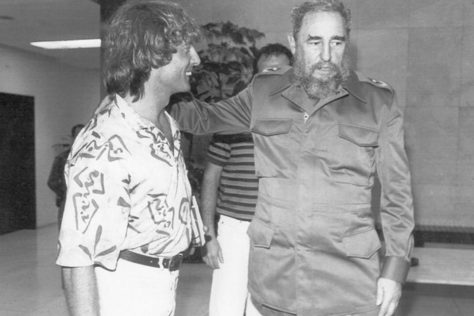 El profe Fernando Signorini, junto a Fidel Castro en el encuentro con Maradona.