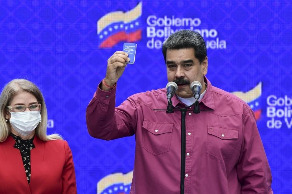 Nicolás Maduro festeja el triunfo del Gran Polo Patriótico.