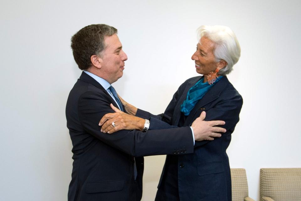 Nicolás Dujovne y Christine Lagarde, los firmantes del acuerdo stand by de 2018.
