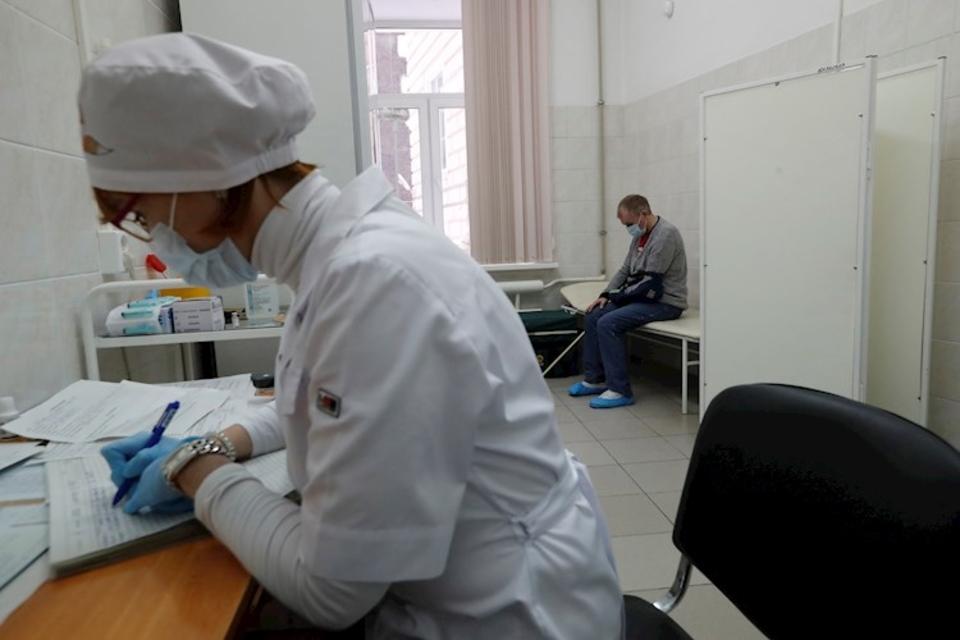 Comenzaron a probar la vacuna Sputnik Light en Moscú.