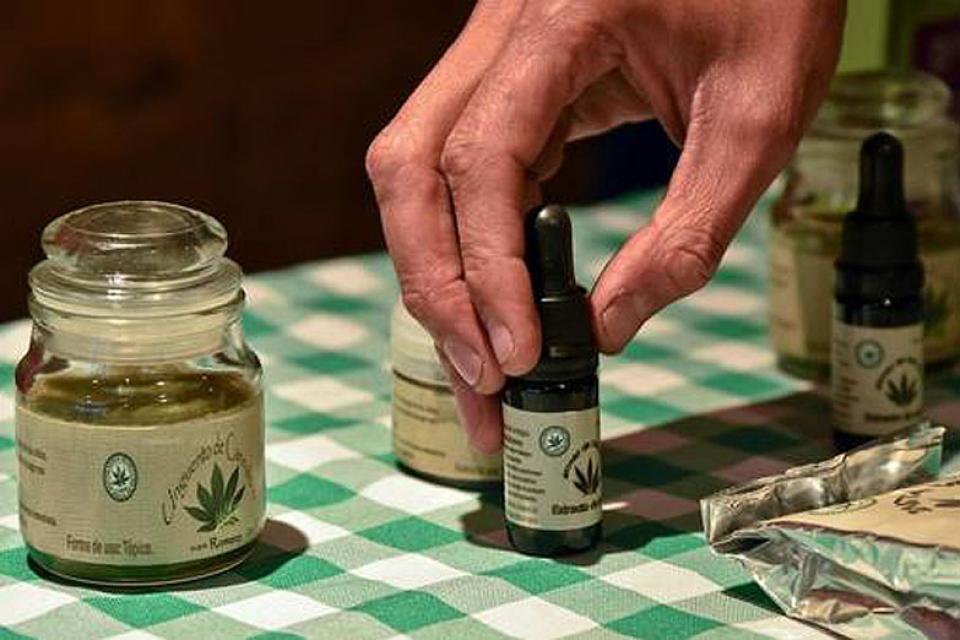 147298-cannabis-medicinal_0
