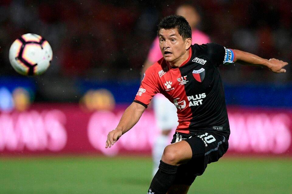Luis Rodríguez, figura y goleador de Colón. (Fuente: Télam)