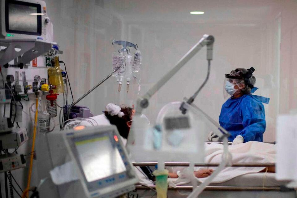 """Las drogas fueron seleccionadas por un panel independiente de expertos, """"dado su potencial a la hora de reducir el riesgo de fallecimiento en pacientes de COVID-19"""". (Fuente: Télam)"""