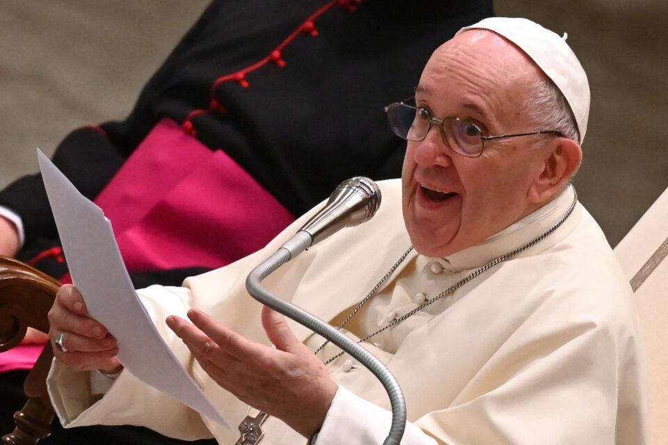 """El papa Francisco llamó a vacunarse contra la covid: «Es un acto de amor"""""""