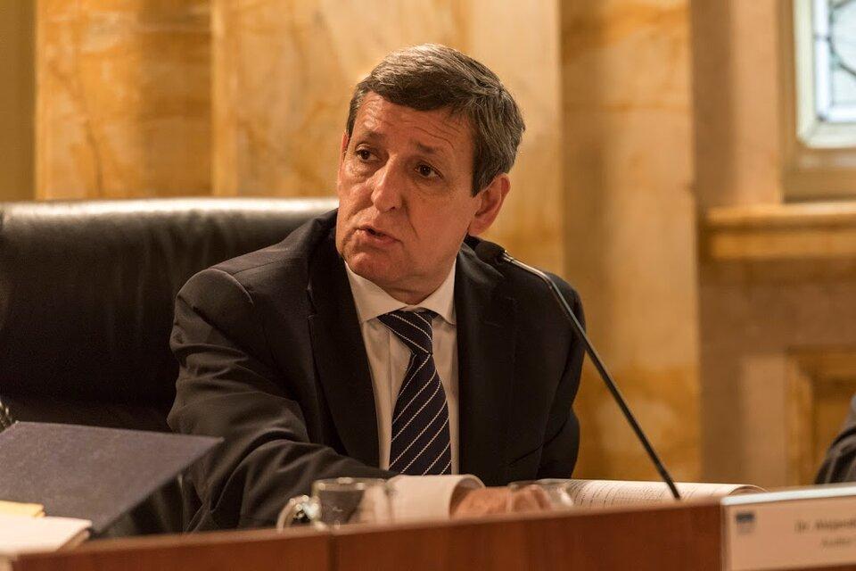 El radical Alejandro Nieva debilitó a la acusación en el juicio por la Obra Pública en Santa Cruz.