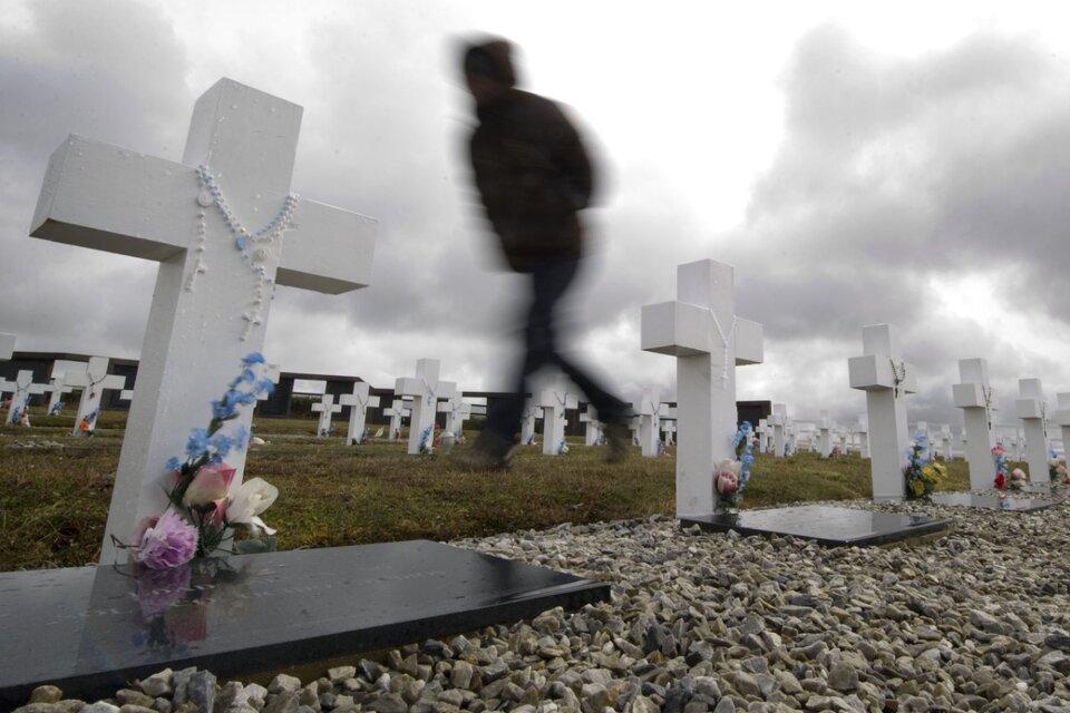 """""""Se ha puesto fin a casi 40 años de incertidumbre sobre lo sucedido a sus seres queridos"""", valoró el comunicado de la Cruz Roja. (Fuente: AFP)"""