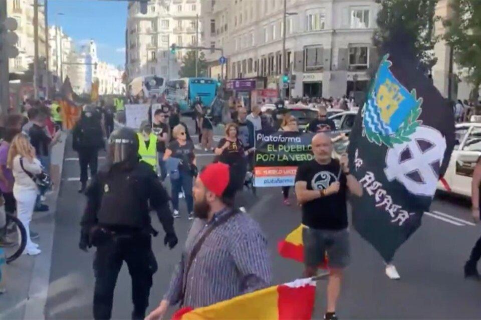 La marcha, que convocó apenas a unas 200 personas, se realizó en el barrio madrileño Chueca, este sábado. (Fuente: Télam)