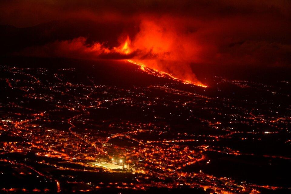 La erupción del volcán Cumbre Vieja en las Islas Canarias provocará serios daños. (Fuente: EFE)