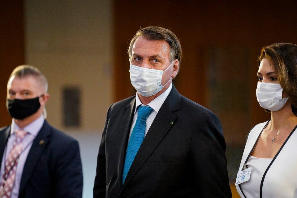 Bolsonaro abandona el edificio de la ONU después de su discurso. (Fuente: AFP)