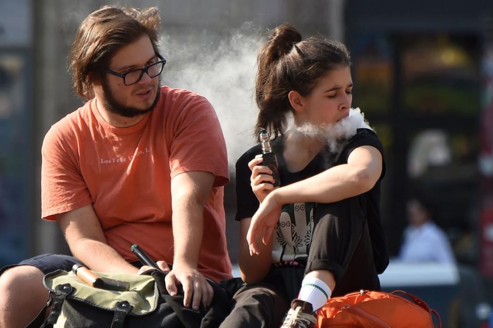 Los Mitos Y Riesgos Del Cigarrillo Electrónico C Página12