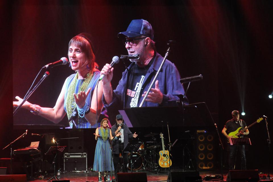 Hilda Lizarazu, León Gieco y Javier Malosetti, un escenario de lujo.
