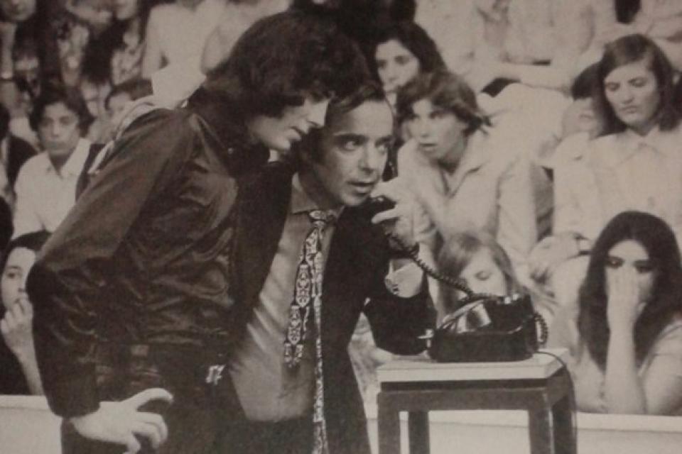 Joan Manuel Serrat con Pipo Mancera en la televisión argentina de los '70