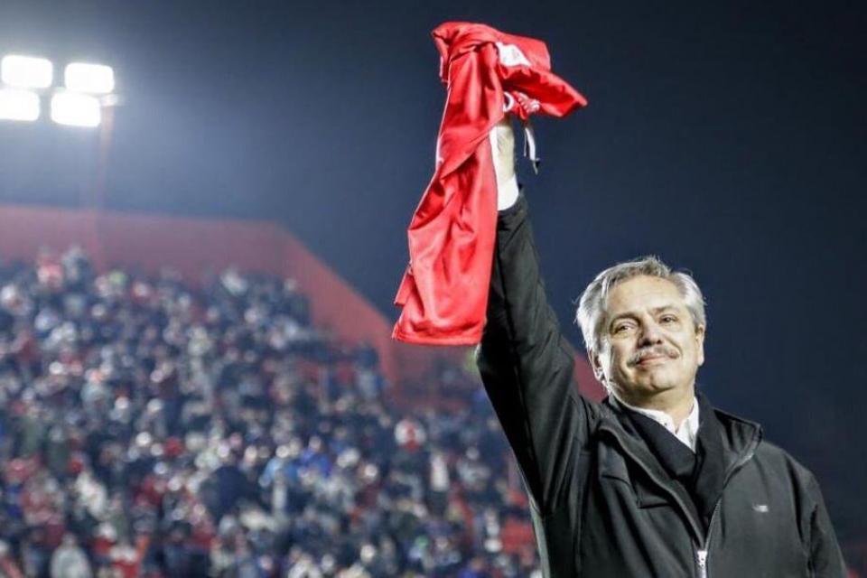 Alberto Fernández recordó el triunfo de Argentinos Juniors e hizo un llamado para las elecciones del domingo.