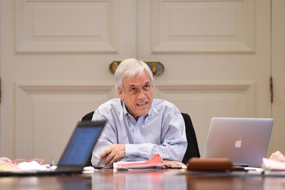 Piñera, reunido con el gabinete al que ahora le pidió la renuncia.