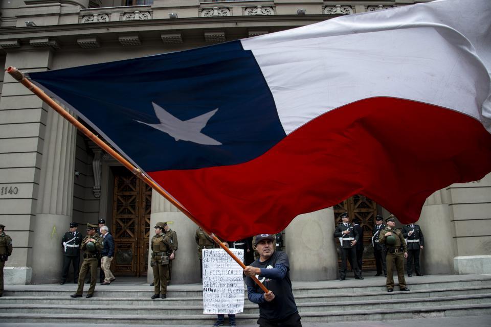 Súper Lunes de marchas en Chile.