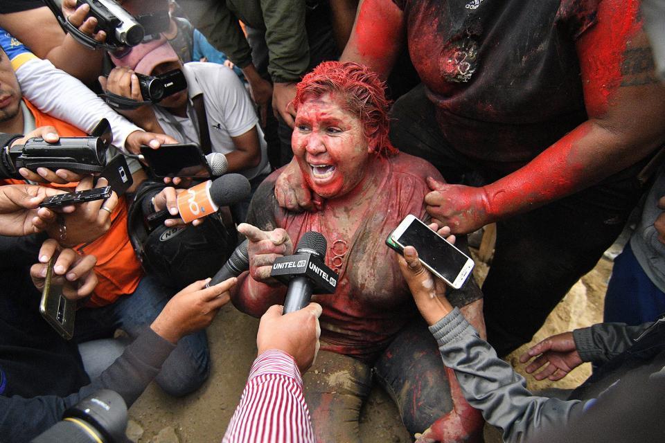 La alcaldesa Patricia Arce fue secuestrada y agredida.