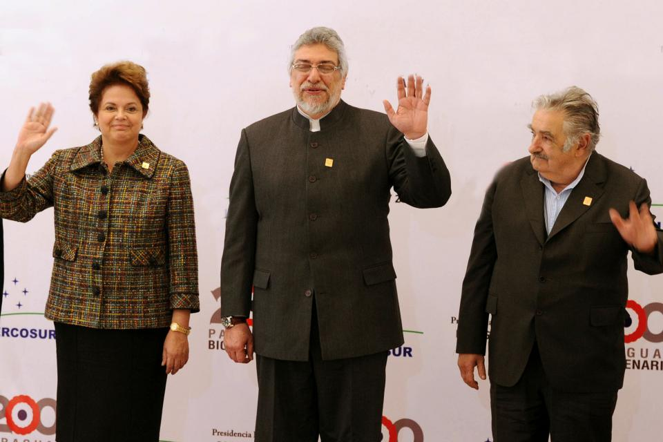 https://images.pagina12.com.ar/styles/focal_3_2_960x640/public/media/articles/28791/mujica-20dilma-20lugo.jpg?itok=A0tSTl1Q
