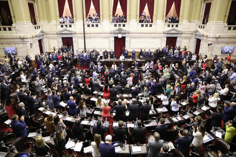 Los diputados votaron a mano alzada el repudio al golpe. Sólo Cambiemos mantuvo su postura negacionista.