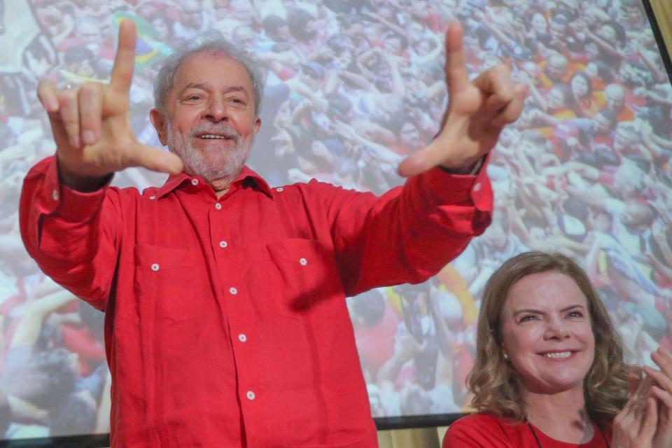 Lula y la presidente del PT Gleisi Hoffmann.
